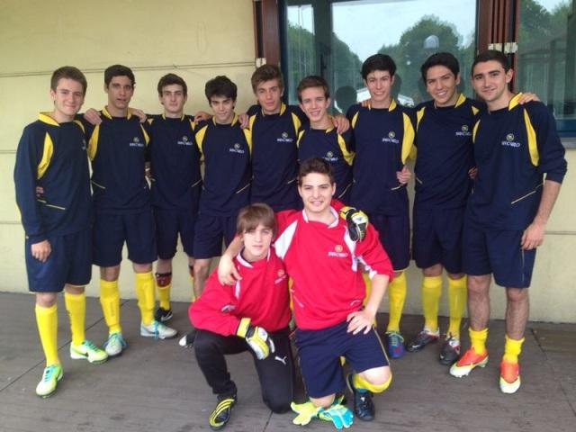 Torneo di beneficenza Luci a Milano: la squadra del San Carlo